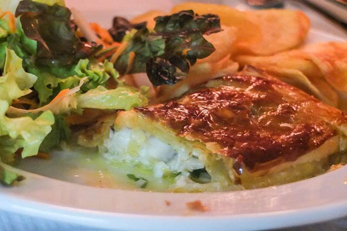 Das andere Fischgericht war ebenfalls Stockfisch mit Milchcreme im Blätterteig gebacken. Köstlich!
